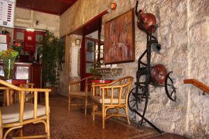 Kiniras Traditional Hotel & Restaurant, Szállodák  Páfosz - big - 32