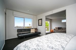 Kohi Beach Bed&Breakfast - Accommodation - Auckland