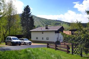 Horská chata Ježek - Hotel - Harrachov