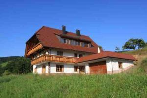 Kempfenhof - Erzenbach