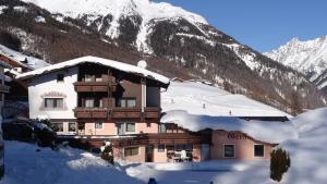 Haus Gerhard - Hotel - Sölden