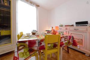 La Maison Hélène-Josephine, Отели типа «постель и завтрак»  Монпелье - big - 17