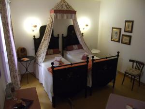Doppel-/Zweibettzimmer mit Balkon