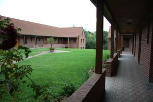 Location gîte, chambres d'hotes Hôtel Les Charmilles de Mormal dans le département Nord 59