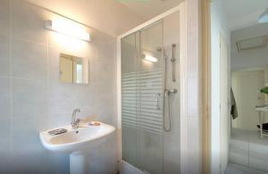 La Maison Hélène-Josephine, Отели типа «постель и завтрак»  Монпелье - big - 29