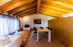 Vip Bergamo Apartments, Aparthotels  Bergamo - big - 65