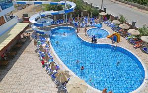 Blue Wave Suite Hotel, Hotels  Alanya - big - 45