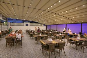 Blue Wave Suite Hotel, Hotels  Alanya - big - 33