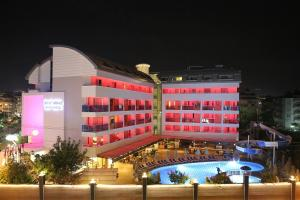 Blue Wave Suite Hotel, Hotely  Alanya - big - 36