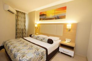 Blue Wave Suite Hotel, Hotely  Alanya - big - 51