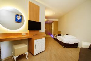 Blue Wave Suite Hotel, Hotely  Alanya - big - 18