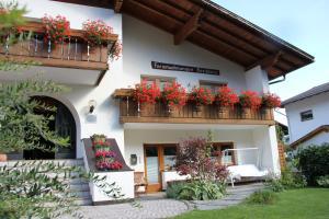 Aparthotel Garni Haus Hubertus - Sluderno