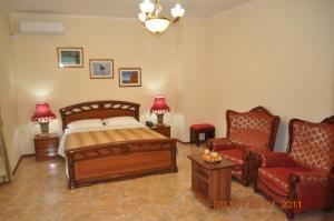 Uyut Tamani, Hotels  Volna - big - 6