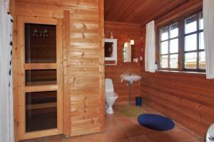 Holiday home Rønde 300 with Sauna and Terrace, Dovolenkové domy  Rønde - big - 15