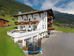 Landhaus Strolz - Accommodation - St. Anton am Arlberg