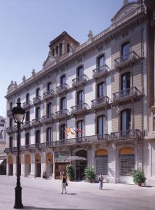 Catalonia Portal de l'Angel (9 of 70)