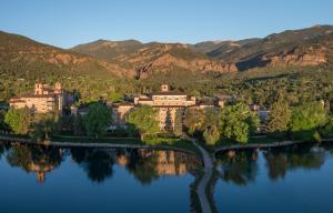 The Broadmoor (38 of 50)