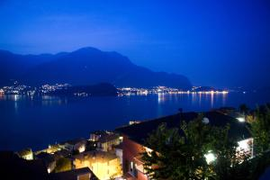 Apartments in Lezzeno Lake Como - AbcAlberghi.com
