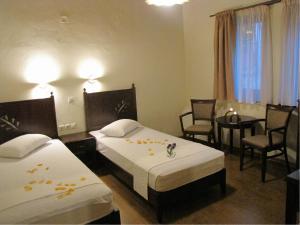 Hotel Mirovoli, Отели  Милиес - big - 35