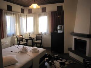 Hotel Mirovoli, Отели  Милиес - big - 32