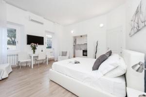 White Flat Colosseo - abcRoma.com