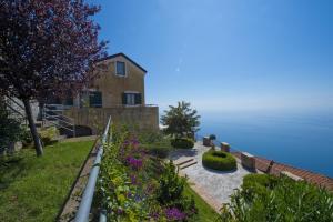 Casa Mediterranea - AbcAlberghi.com