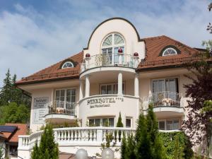 Albergues - Parkhotel Bad Faulenbach