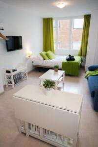 Holidays2Malaga Studios Juan de Mena, Appartamenti  Malaga - big - 47