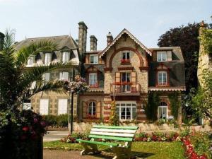 Location gîte, chambres d'hotes Le Grand Chalet dans le département Orne 61