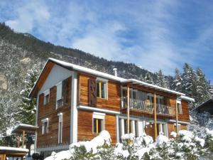 Apartmentshaus Dual 1