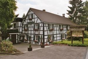 Hotel Meyer Alter Bergischer Gasthof - Buddemühle