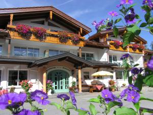 Landhotel Berghof - Hotel - Oberjoch-Hindelang