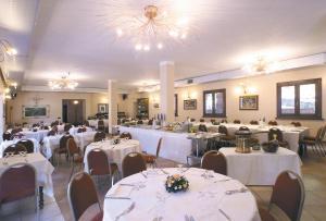 Hotel Lago Verde, Hotel  Serravalle Pistoiese - big - 41