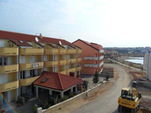 Apartments Villa Supertom, Ferienwohnungen  Povljana - big - 17