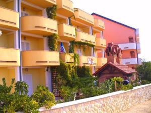 Apartments Villa Supertom, Ferienwohnungen - Povljana