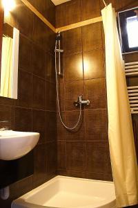 Avalon Rooms, Гостевые дома  Орадя - big - 48