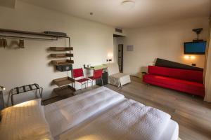 Ambienthotel PrimaLuna, Hotels  Malcesine - big - 100