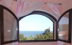 La Finestra Vista Corsica - AbcAlberghi.com