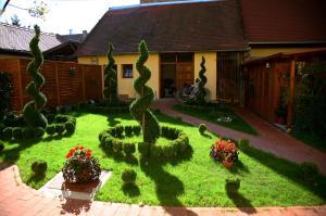 Guesthouse Maksimilian, Guest houses  Osijek - big - 55