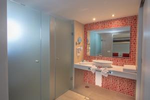 Aequora Lanzarote Suites, Hotely  Puerto del Carmen - big - 111