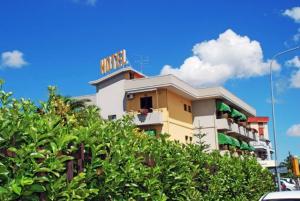 Santoianni, Hotel - San Martino in Pensilis