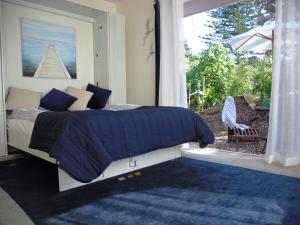 Blue Birds, Guest houses  Oneroa - big - 18