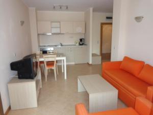 Sunny Beach Rent Apartments - Royal Sun, Apartmány  Slnečné pobrežie - big - 2