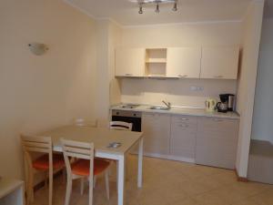 Sunny Beach Rent Apartments - Royal Sun, Apartmány  Slnečné pobrežie - big - 4