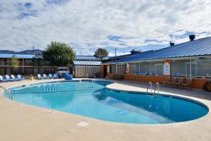 Magnuson Hotel and Suites Alamogordo, Hotely  Alamogordo - big - 80