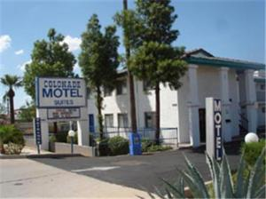 Colonade Motel Suites - Las Alegres