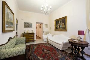 Fontana de Trevi Apartment - abcRoma.com