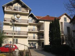 Apartments Božinović