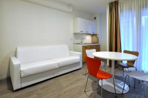 Appartamento con 3 Camere da Letto e con Balcone
