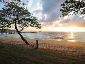 Marlin Waters Beachfront Apartments, Aparthotels  Palm Cove - big - 51